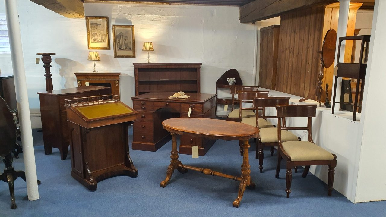 Martin J Woolford Antiques